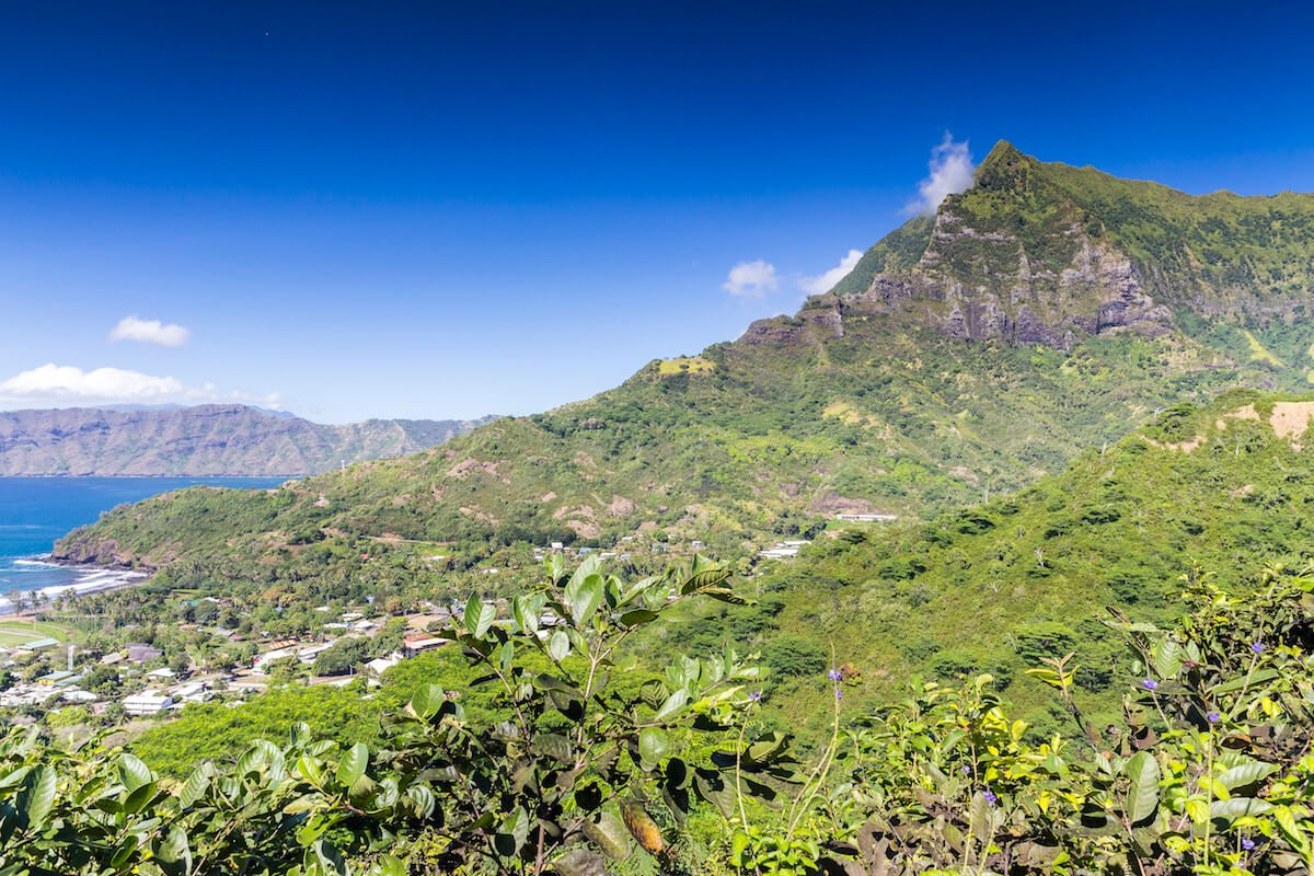 boat or plane to marquesas islands