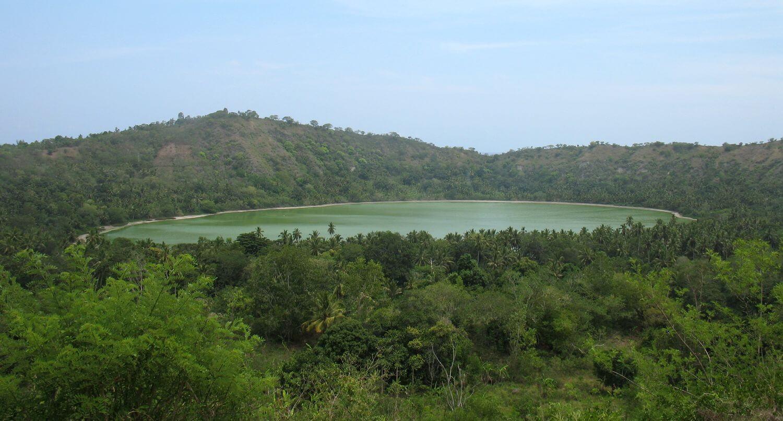 Randonnée au Lac Dziani sur l'île de Mayotte