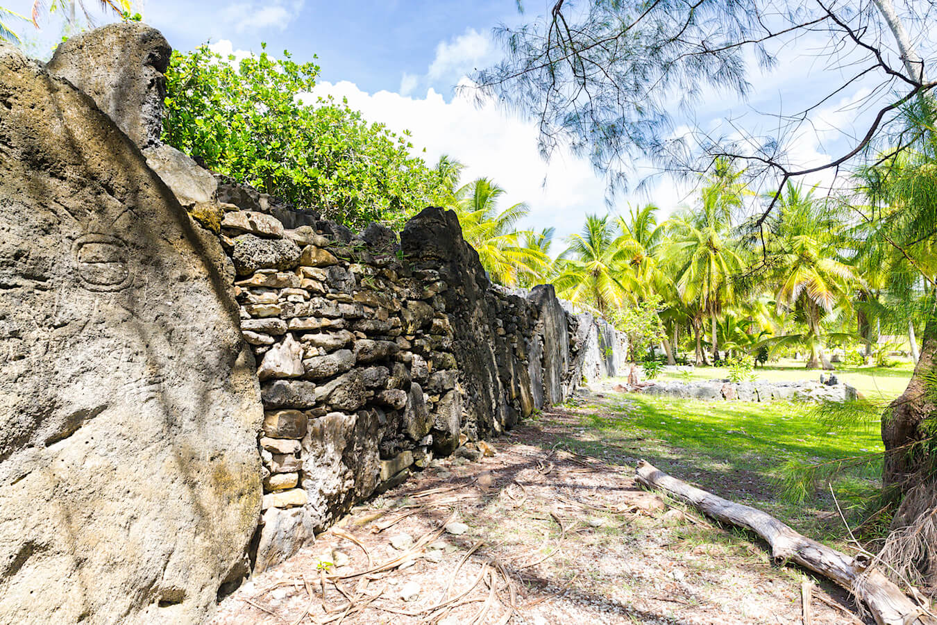 what to do in huahine: visit the archeological sites