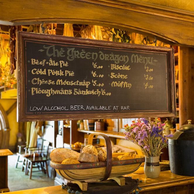 la taverne de hobbiton en nouvelle zélande