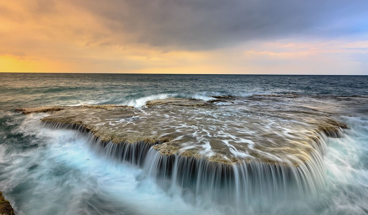 photo de cascade durant les belles heures