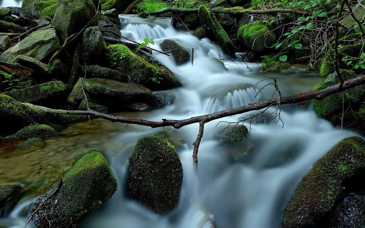 waterfall photography with long exposure