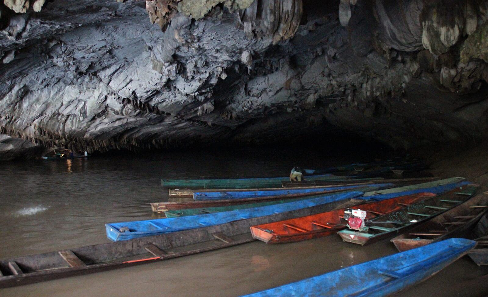 la visite de grotte au laos