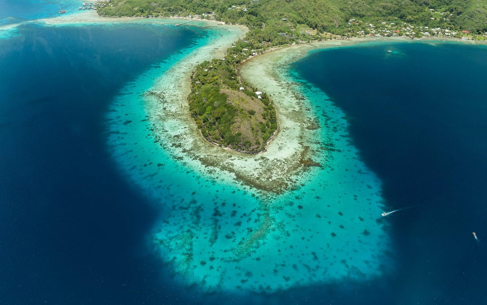 beau lagon de bora avec tahiti air charter