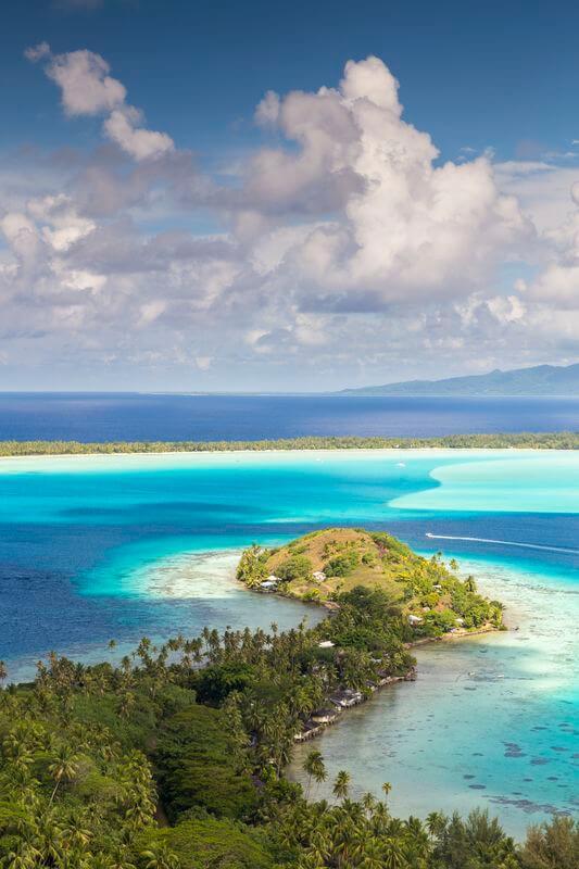 Superbe vue à Bora Bora en Randonnée