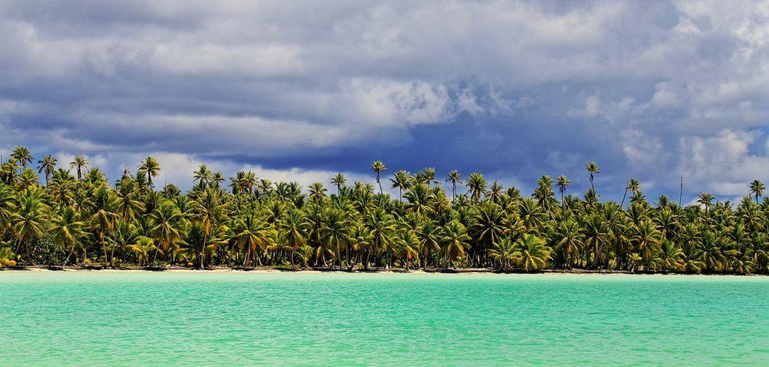 small lagoon ahe tuamotu