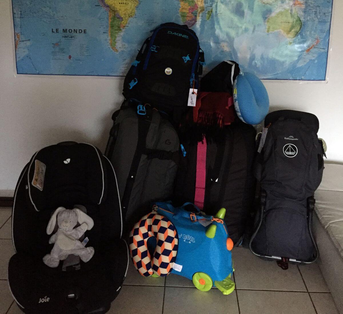 partir chargé en voyage avec un bébé