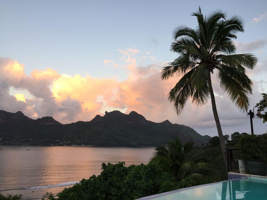 hotel in knu hiva island