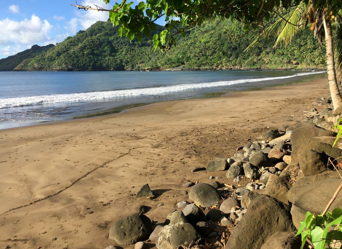 beach nuku hiva