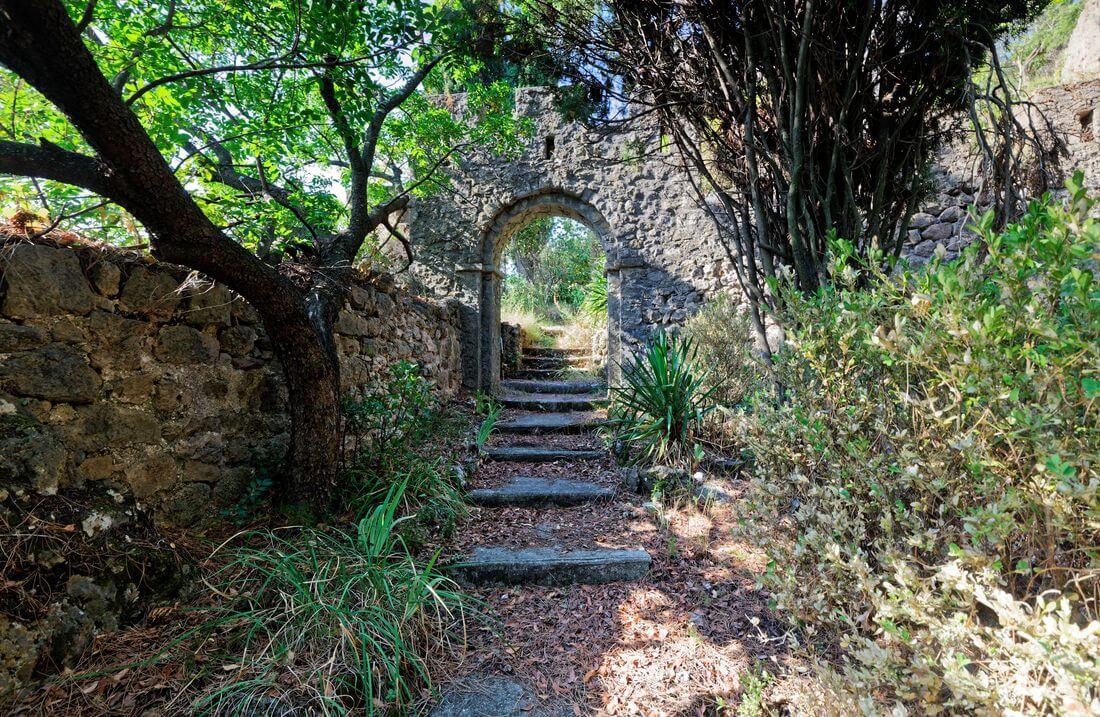 chateau mourèze