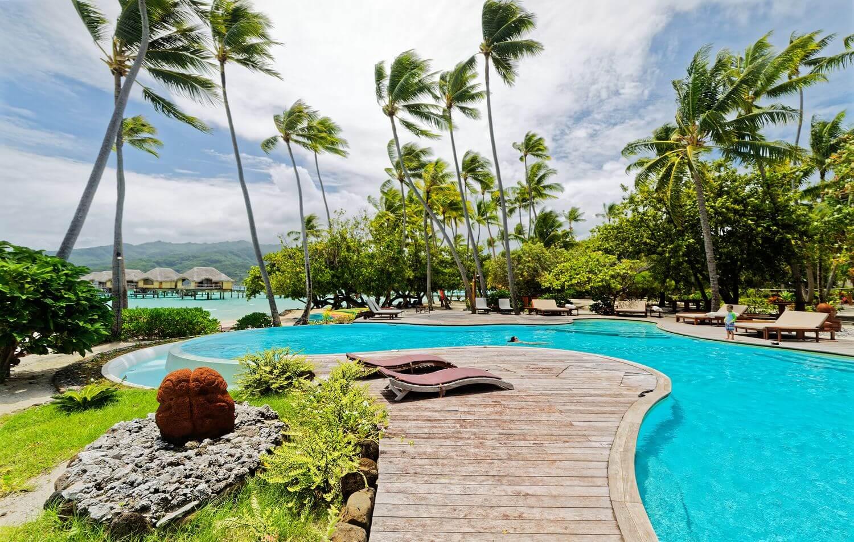 Tahaa Resort pool