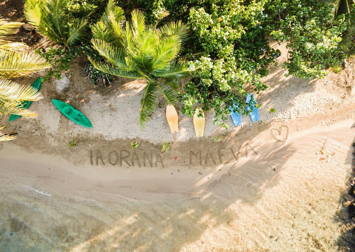 alternative place in raiatea, the beach coconut lodge
