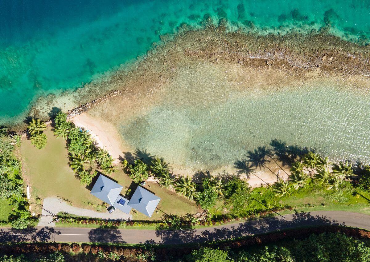 beach coconut lodge raiatea