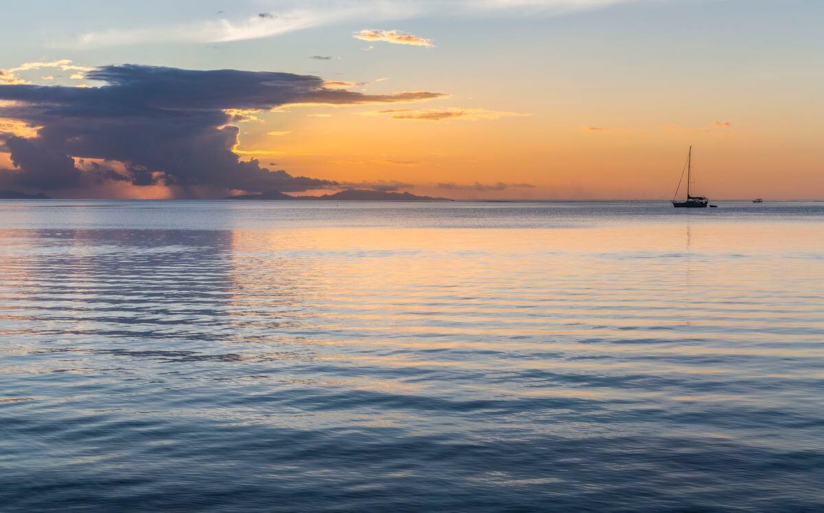 coucher de soleil sur le lagon de Huahine