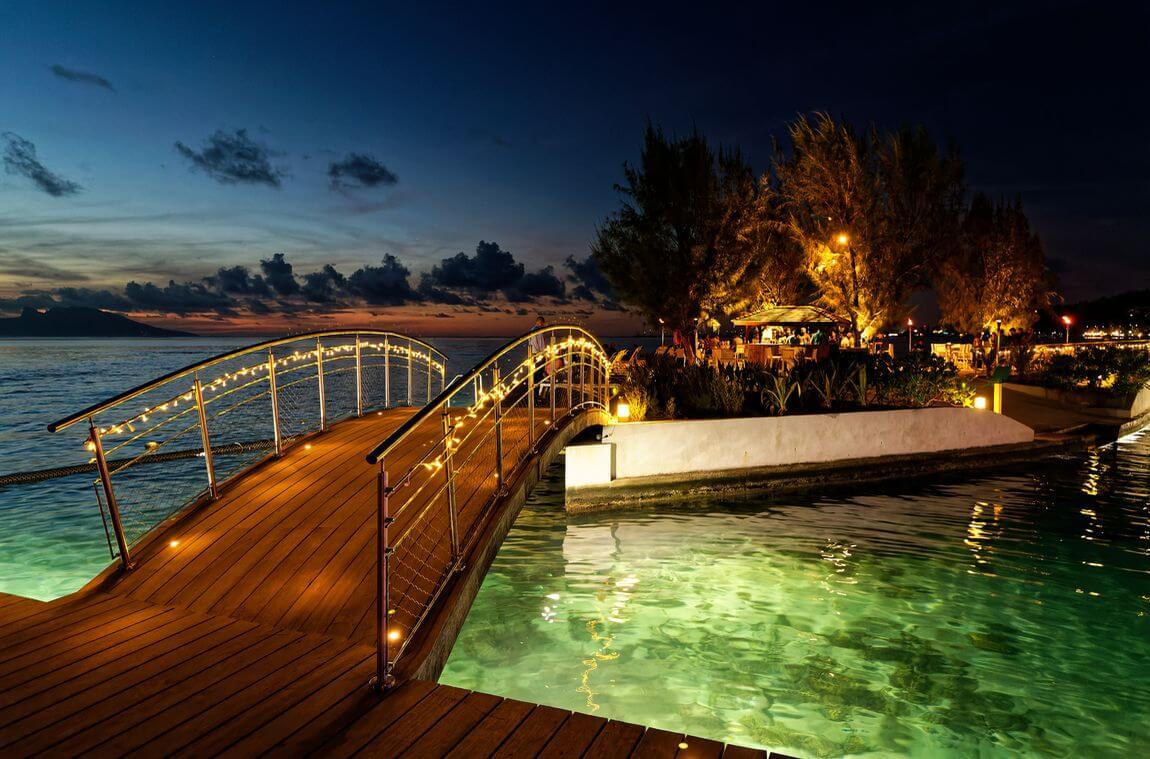 Le Manava Tahiti de nuit