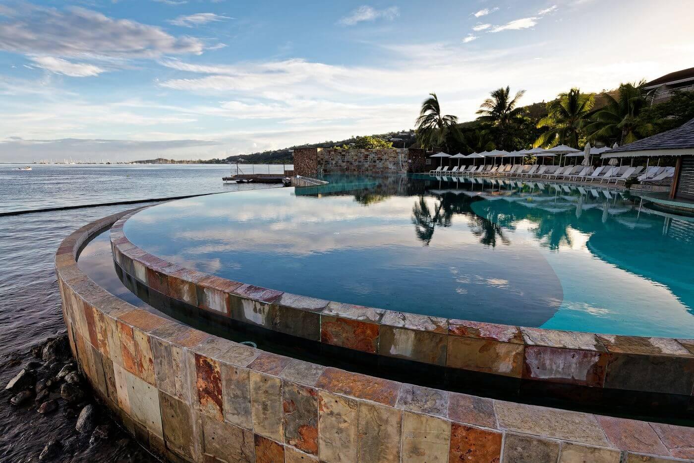 Piscine du Manava Resort Tahiti