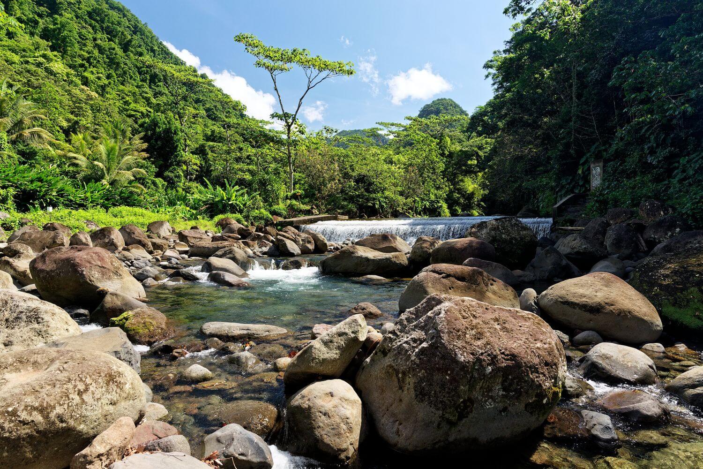 barrage sur le chemin pour accéder au paradis