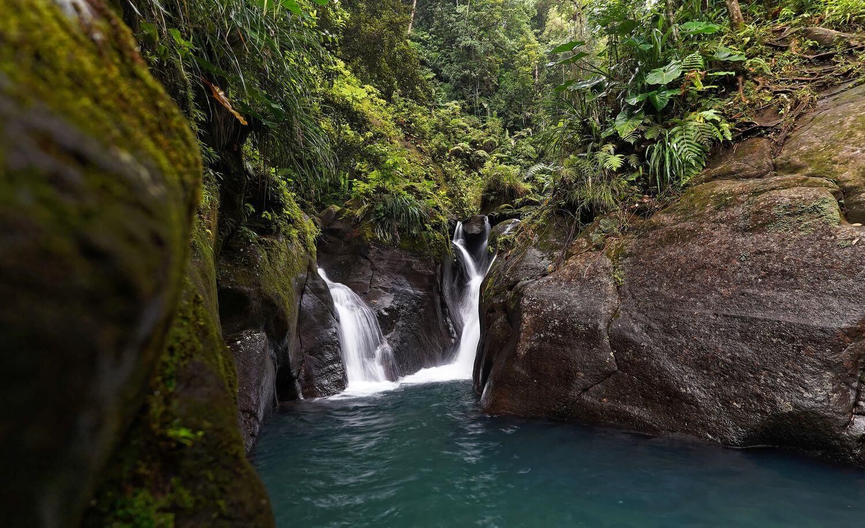 vue de la cascade bassin bleu
