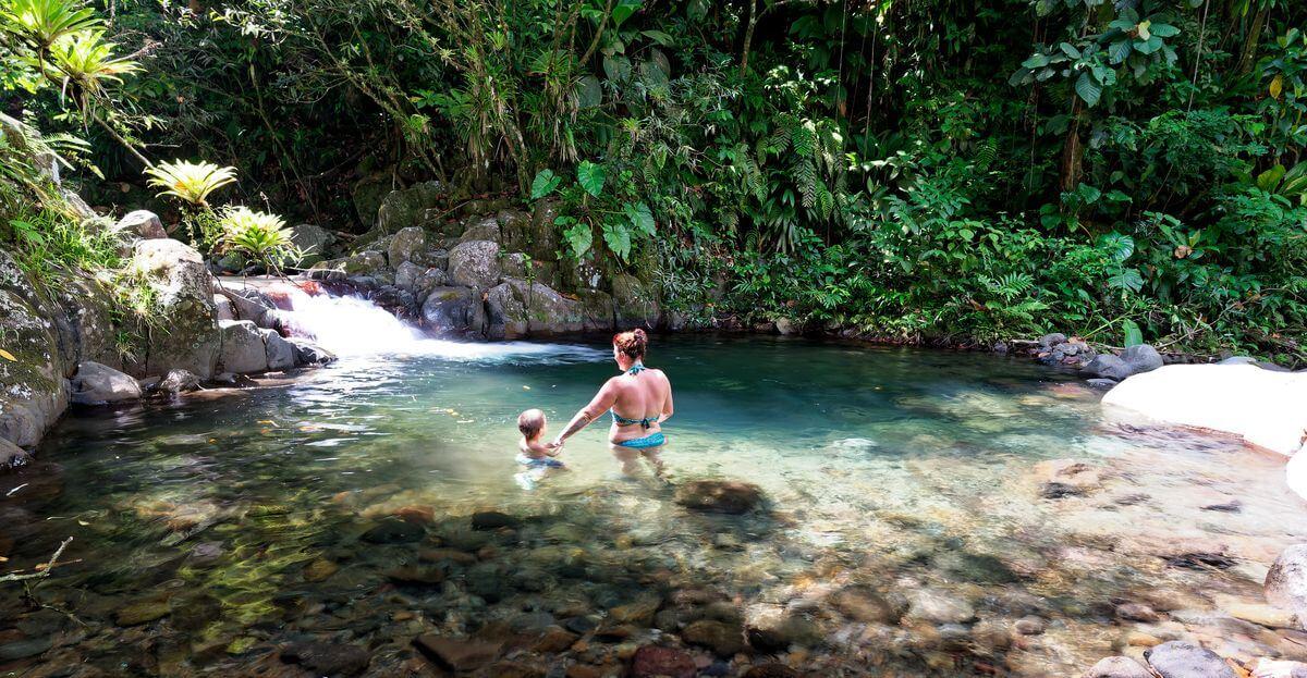 bain à la cascade du paradis en bas